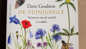 boek de tuinjungle van Dave Goulson